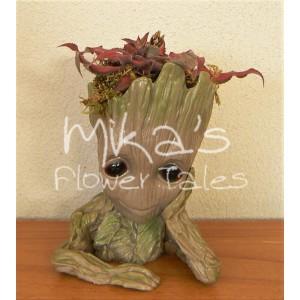 """Διακοσμητικό """"μωρό Groot"""" με μικρόφυτα"""