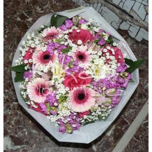 Πρόταση για μπουκέτο λουλουδιών σε αποχρώσεις του ροζ, άσπρου και λιλά ΆΝΘΗ και ΦΥΤΆ